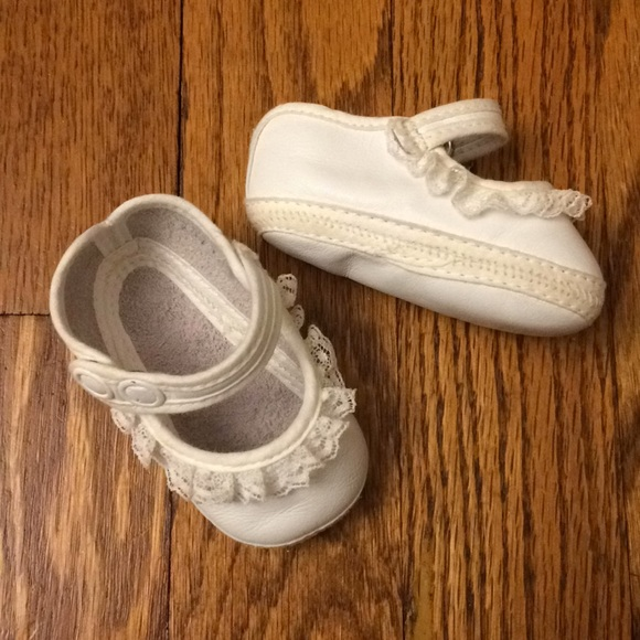 150a90e682c8b Newborn Lullaby baby shoes